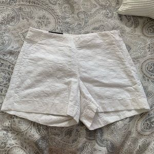 Banana Republic Shorts - Brand new White Banana Republic Shorts